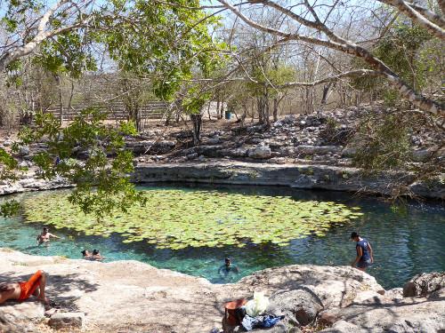 Cenote1702185